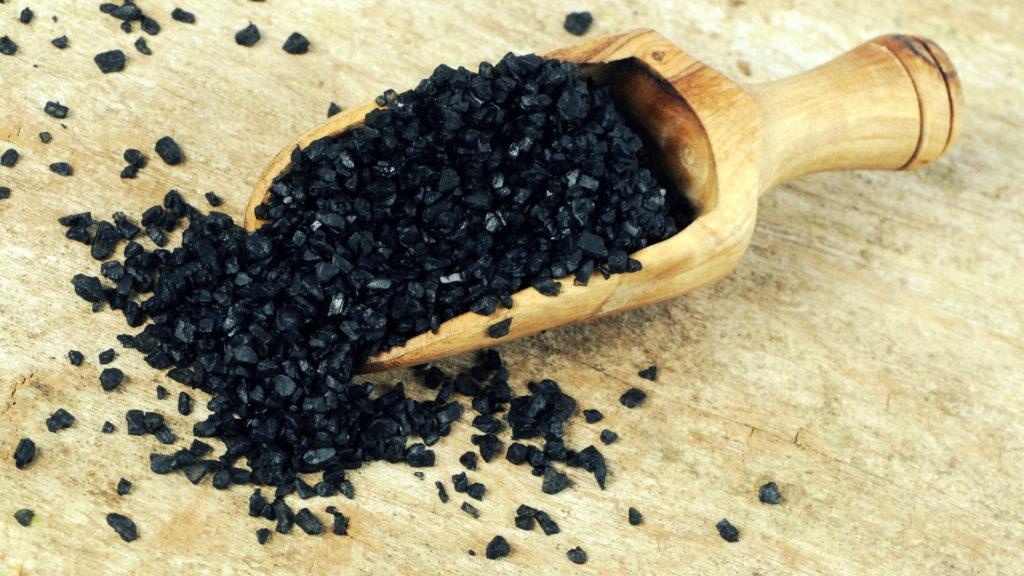 Маска из активированного угля от черных точек в домашних условиях