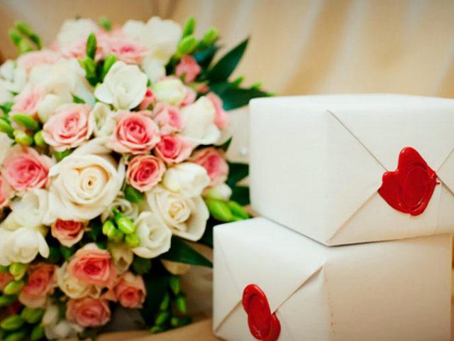 Какой сувенир подарить на свадьбу: ТОП 20 + еще 23 идеи