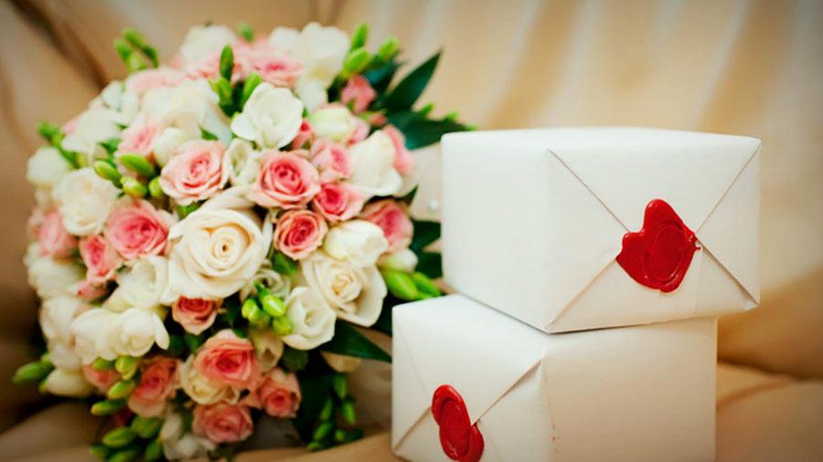 Какой сувенир подарить на свадьбу