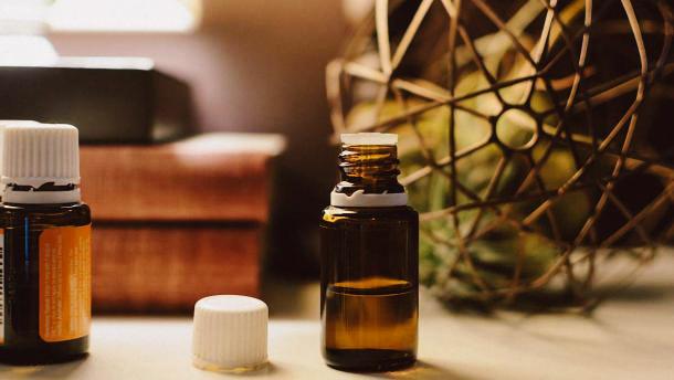 Можно ли добавить касторовое масло в шампунь