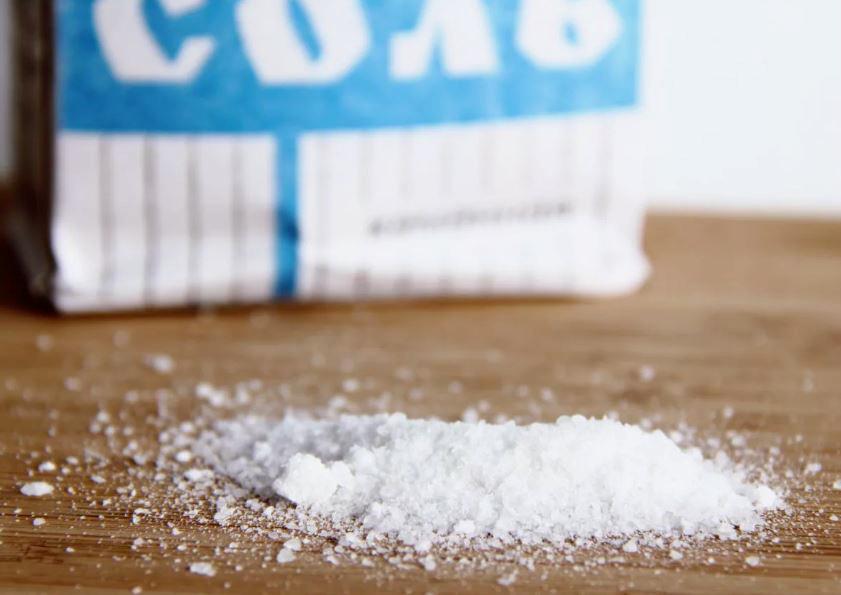 Зачем добавляют соль в шампунь