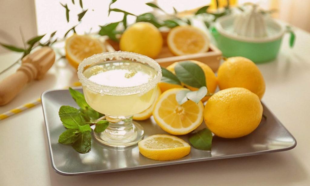 Как осветлить волосы с помощью лимона