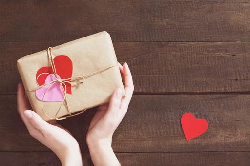 100 лучших идей, что можно подарить парню на годовщину отношений