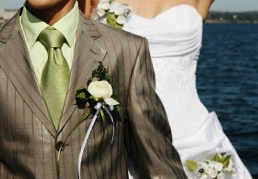 Как правильно подготовиться к свадьбе: платье и костюм