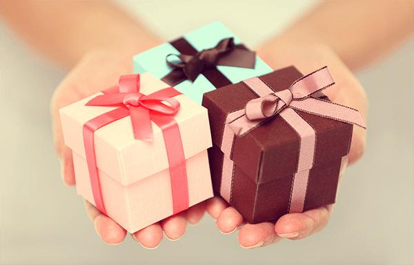 Ты — мне, я — тебе: выбираем ответный подарок под тип личности