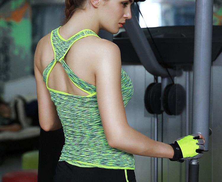 Что надеть на йогу: выбираем подходящую одежду
