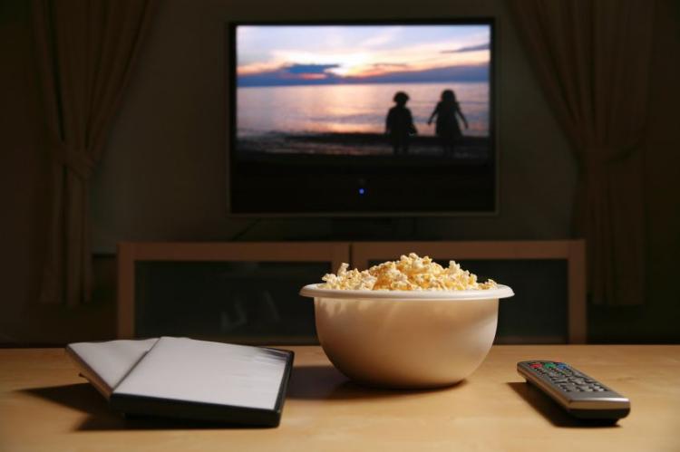 Как устроить киновечер дома