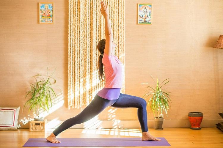 Поза воина в йоге для похудения